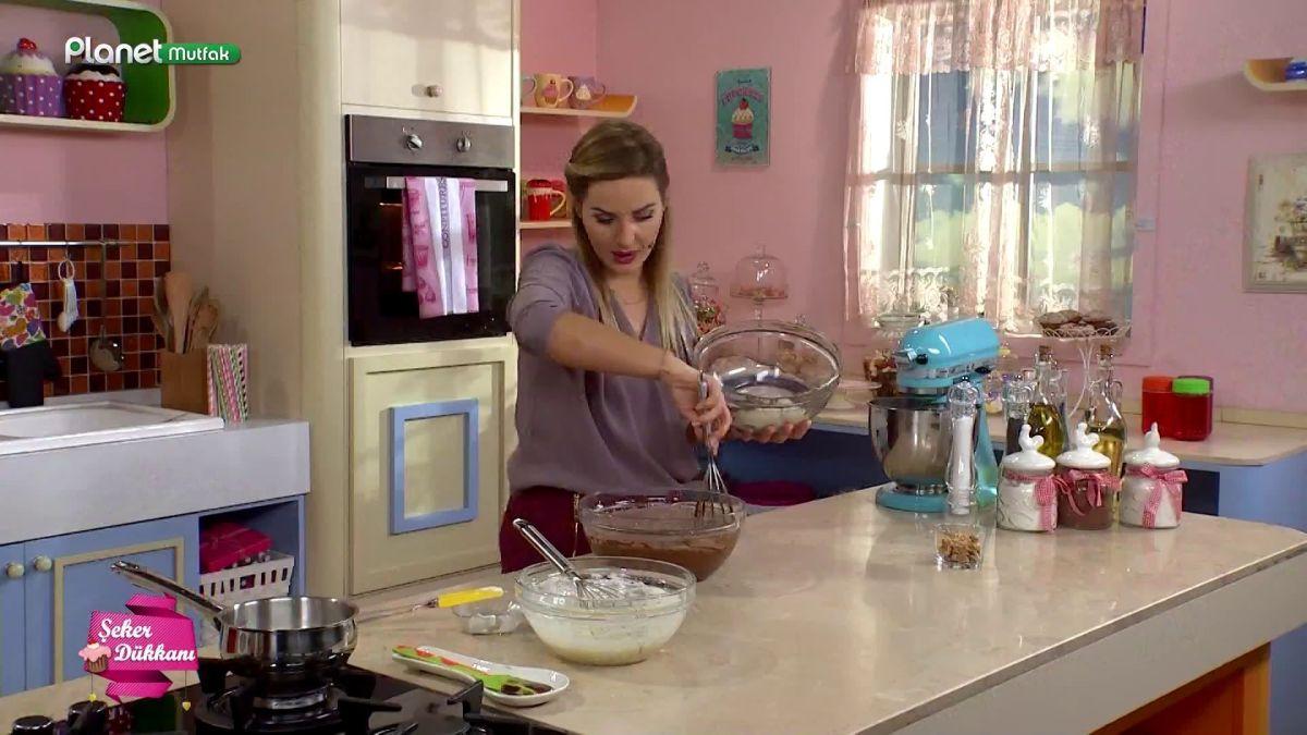 Labne Peynirli Brownie Tarifi Videosu