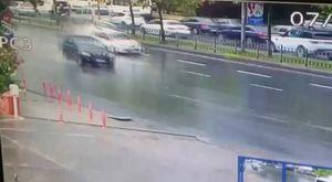 Otomobil restoranın bahçesine daldı: 1 ölü, 1 yaralı