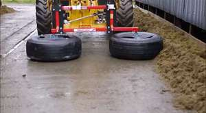 New Holland T7070 Bale Make...