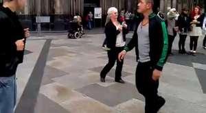 sinyalci milli marşı ile dans