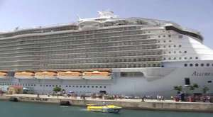 Raw Video Largest Cruise Ship