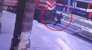 Mersin-Tarsus arası Huzurkent'te feci kaza 5 ölü