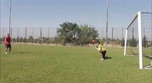 Kaleci 5 Penaltıyı Yüzü ile Kurtarıyor