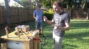 20 bin volt elektrik verilen nesnelerin havaya uçması