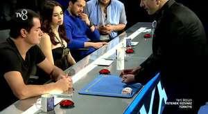 Hokkabazlık Yetenek Sizsiniz 2.tur İllüzyonist Sihirbaz Özgür Kapmaz Cups and Balls
