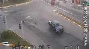Çorum Sungurluda Mobeselere Takılan Trafik Kazaları - 2