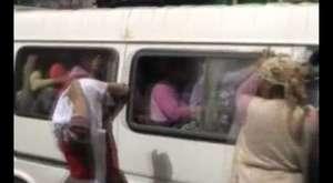 20 kişilik minibüse 45 kadın bindi!