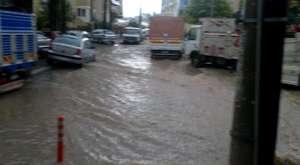 İzmir'de Yağmur Hayatı Felç Etti | 19.12.2012 | Haberci35.com