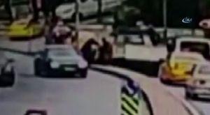 Kasklı motosiklet hırsızları kamerada