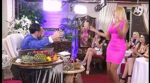 Beyza Bayraktar - Kedicikten Seksi Dans