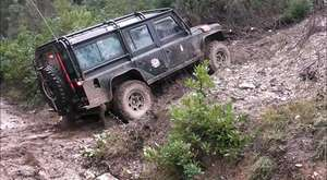 Suziki Samurai vs Landrover Off Road