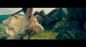 MACKLEMORE & RYAN LEWIS - CAN`T HOLD US FEAT. RAY DALTON (OFFICIAL MUSIC VIDEO)