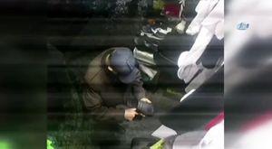 Ojeli elleriyle tamir ettikleri traktörü topuklu ayakkabılarıyla sürdüler