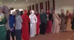 Adnan Oktar`ı seven güzellerin muhteşem dansları