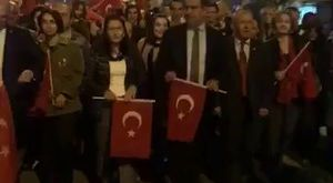 Binlerce Giresunlu heyecanla ve aşkla Cumhuriyet için yürüyor.