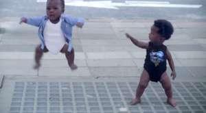 Ne dersiniz, Sizce bu bebekler normal mi?