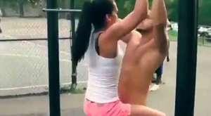 Kızların Kafes Dövüşü