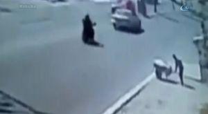 İstiklal Caddesi'nde tehlikeli anlar kamerada