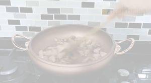 Şimdi Çıktı Fırından Kahvaltılık Kızarmış Ekmek Tarifi