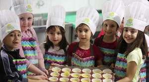 Minik Şefler 23 Nisan'da Çocuklar İçin Mutfakta!