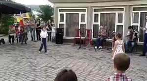 kabartaylar küçük kızın güzel şarkısı  Kafkaslarin Dünyası
