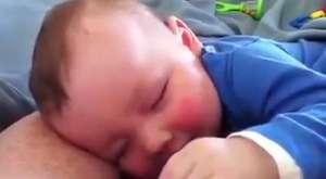 uykulu uykulu yemek yiyin bebek