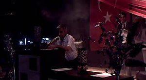 Radyo spikeri Aynur Arslangiray özlemek sevmekse