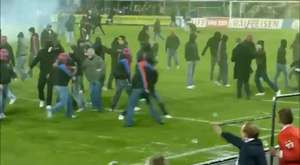 Paok Hooligans attack Rapid Wien Ultras