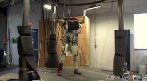 amazon deposundaki robot çalışanlar