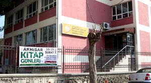 Akhisar'da Medar Mevkii Trafik Kazası 1 Yaralı