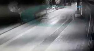 Çaldığı araç yolda kalınca iple çekti