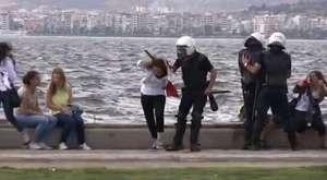 İzmir Gündoğdu Meydanı Polis Müdahalesi