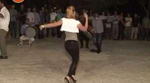 suriye li kızın muhteşem şhow u düğün oyunu raks dans