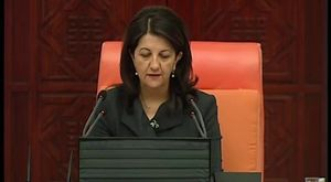 AKP'li vekilden stadyumda skandal