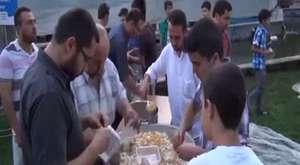 Uşaklılar Mısır`daki Darbeyi Protesto İçin Parkta İftar Yaptı